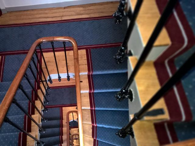 Entreprise de ravalement de fa ade isolation tous corps for Peinture cage escalier immeuble