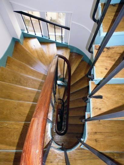 R f ction de la cage d 39 escalier paris rue des abbesses for Refection cheminee exterieure