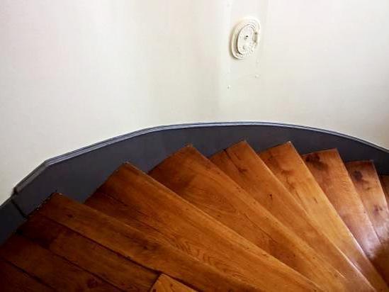 Peinture cage d 39 escalier rue mademoiselle paris 15 for Peinture cage d escalier